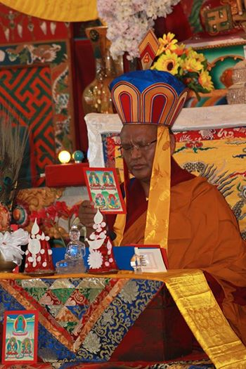 Menri Ponlop Thinley Nyima Rinpoche giving Mawe Senghe-initiation